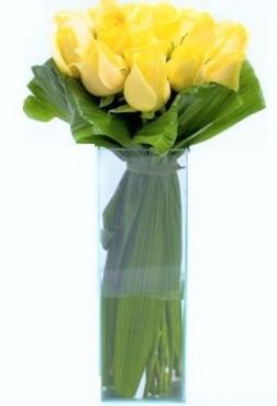 Buquê De Rosas Amarelo No Vidro Grande