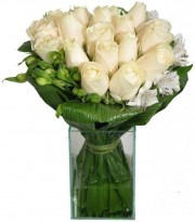 Rosas Brancas No Vidro Médio