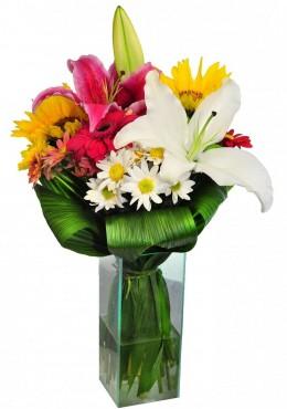 Buquê de Flores Mistas no Vidro